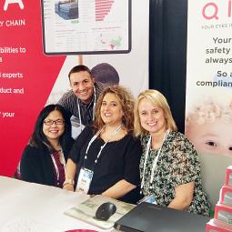 QIMA-Mitarbeiter auf Branchenkonferenz