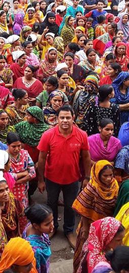QIMA-Mitarbeiter in indischem Büro des Unternehmens